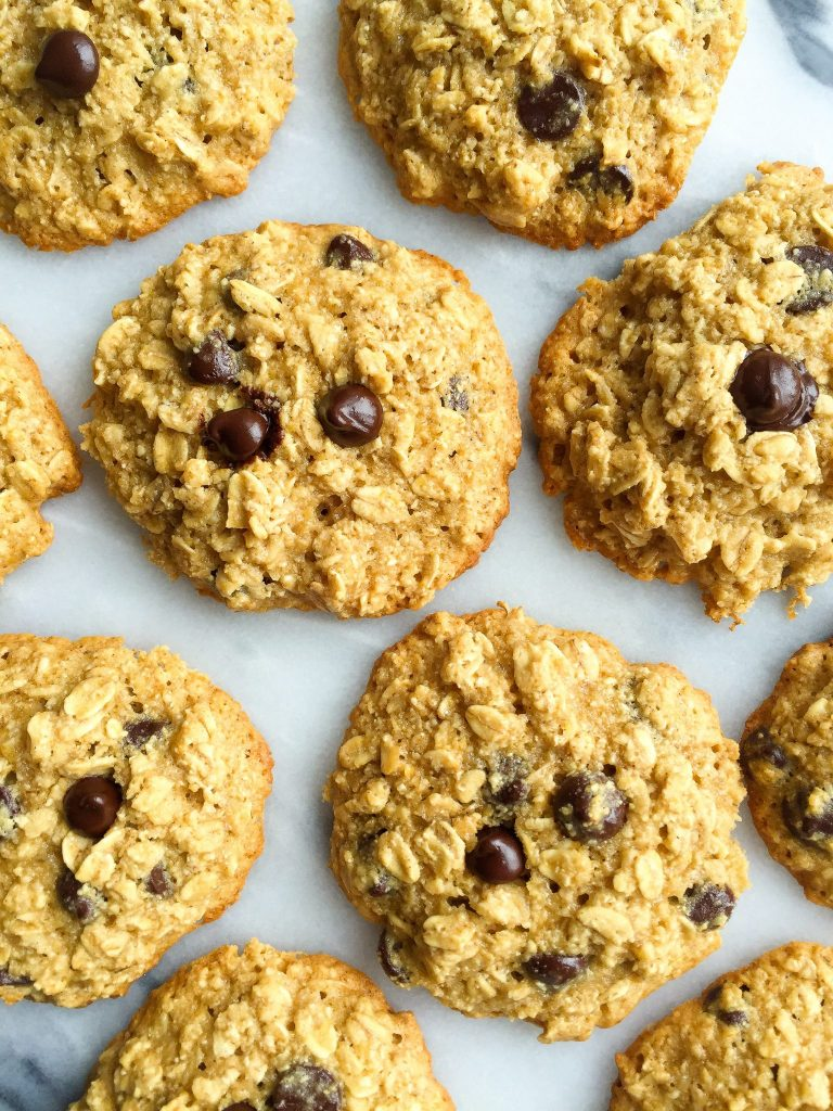 Dark Chocolate Chip Ginger Oatmeal Cookies that are gluten-free and made with healthy ingredients!