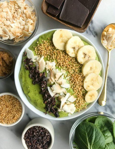 Dreamy Mint Cacao Chip Smoothie Bowl (vegan)
