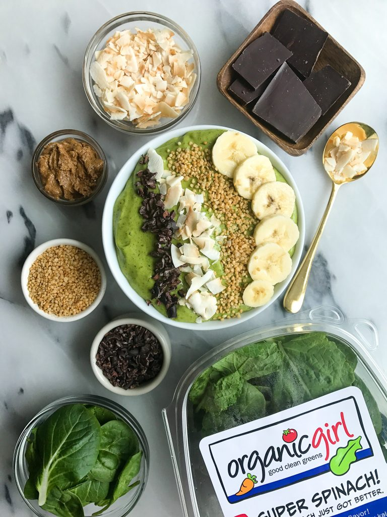 Dreamy Mint Cacao Chip Smoothie Bowl for an easy plant-based and gluten-free smoothie bowl!