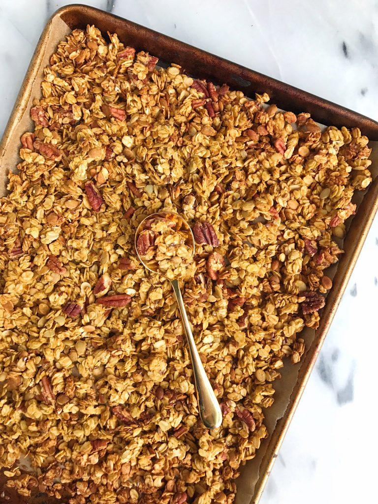 Crunchy Nutty Pumpkin Pie Granola for an easy gluten-free and vegan granola!