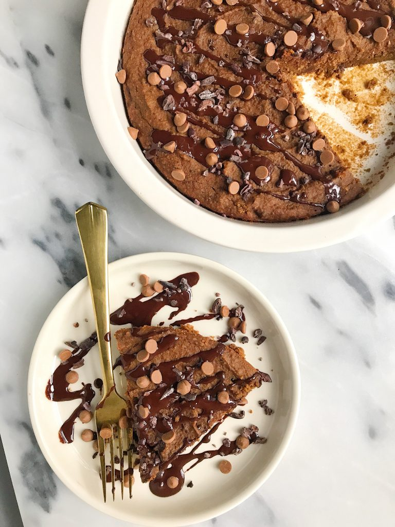 Paleo Chocolate Chip Pumpkin Brownie Pie for an easy and delicious chocolatey fall dessert!
