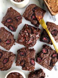 Ultimate Gluten Free Fudge Brownies (Paleo + Refined Sugar Free)