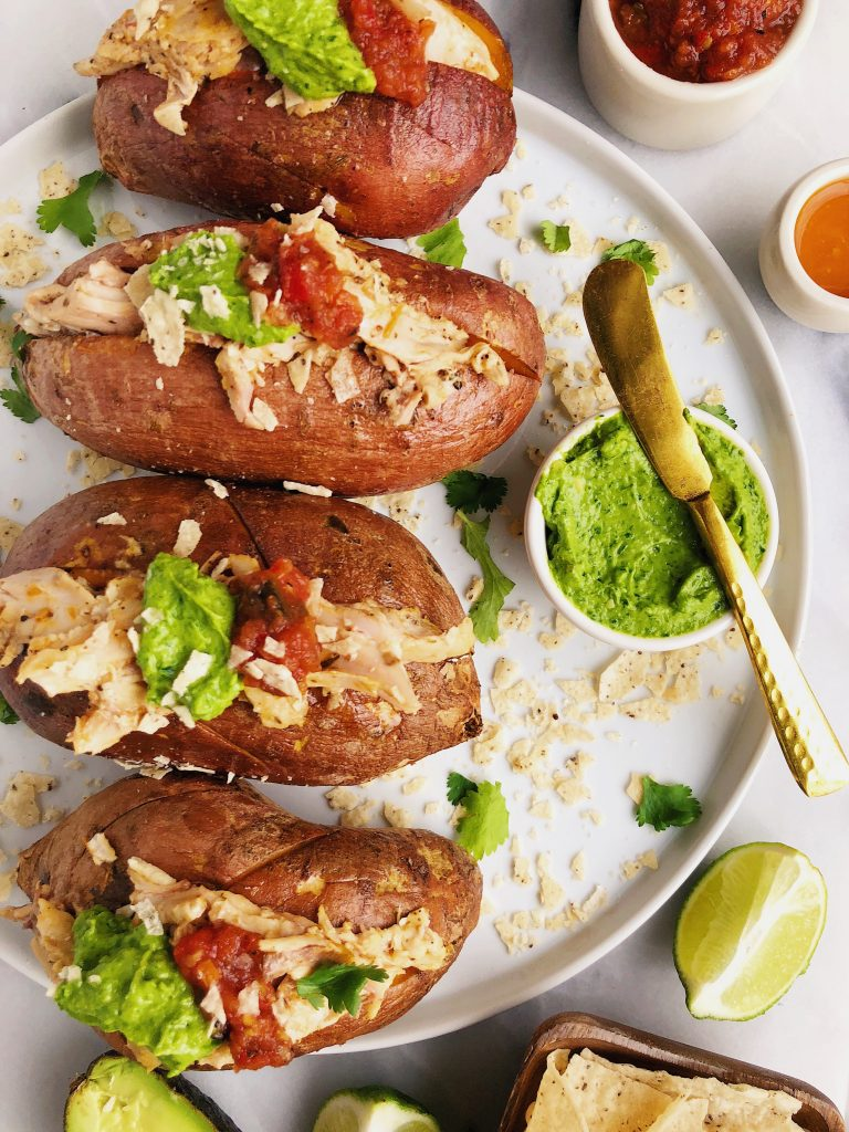 Buffalo Chicken Stuffed Sweet Potatoes for an easy paleo dish, using chicken from my favorite grass-fed and grass-finished meat company!