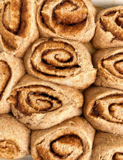 Healthy Vegan Cinnamon Rolls (yeast-free)