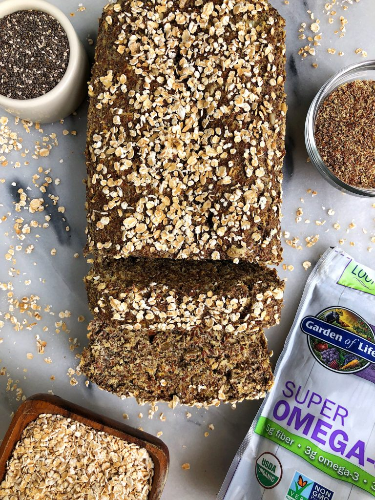 Simply Epic Homemade Flaxseed Bread made with flaxseeds, sprouted oats, chia seeds and other healthy and nutritious ingredients for an easy homemade bread ready in less than 30 minutes!2 cups garden of life flaxseed meal