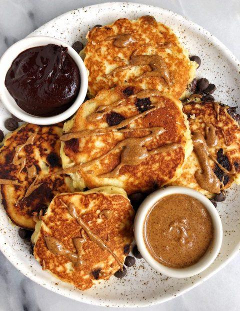 6-ingredient Fluffy Paleo Pancakes (gluten + dairy-free)