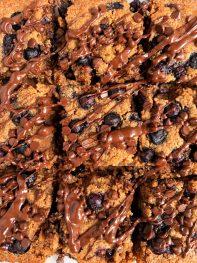 Vegan Blueberry Chocolate Chip Cookie Dough Bars (gluten-free)