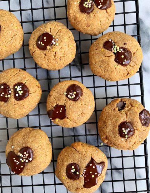 6-ingredient Chocolate Chip Funfetti Cookies (vegan)