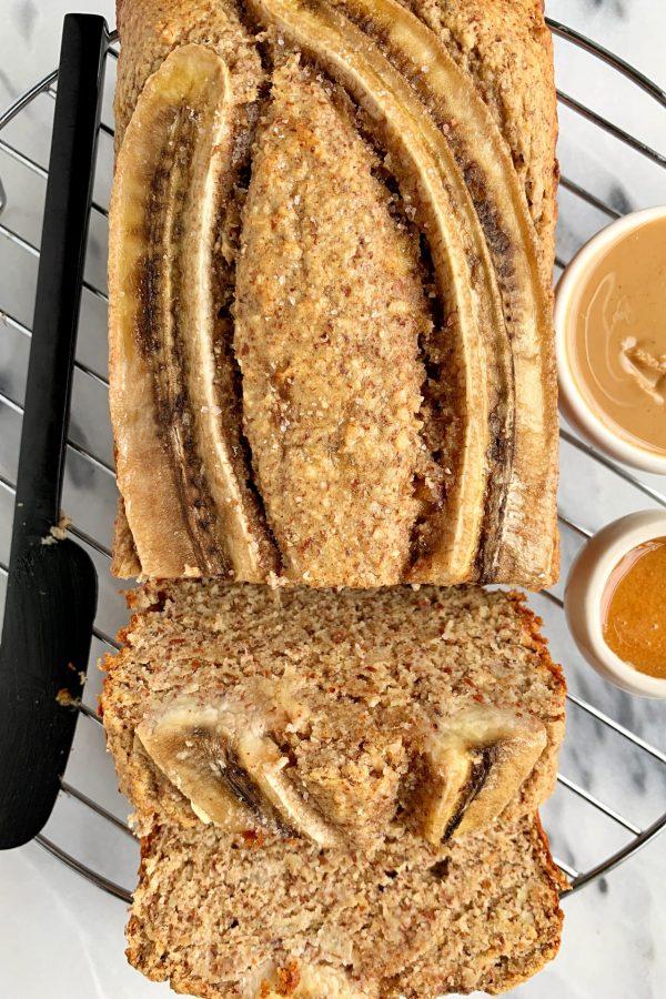 Simple Almond Flour Banana Bread (paleo)