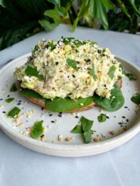 Everything Bagel Chicken Salad (Whole30-friendly)
