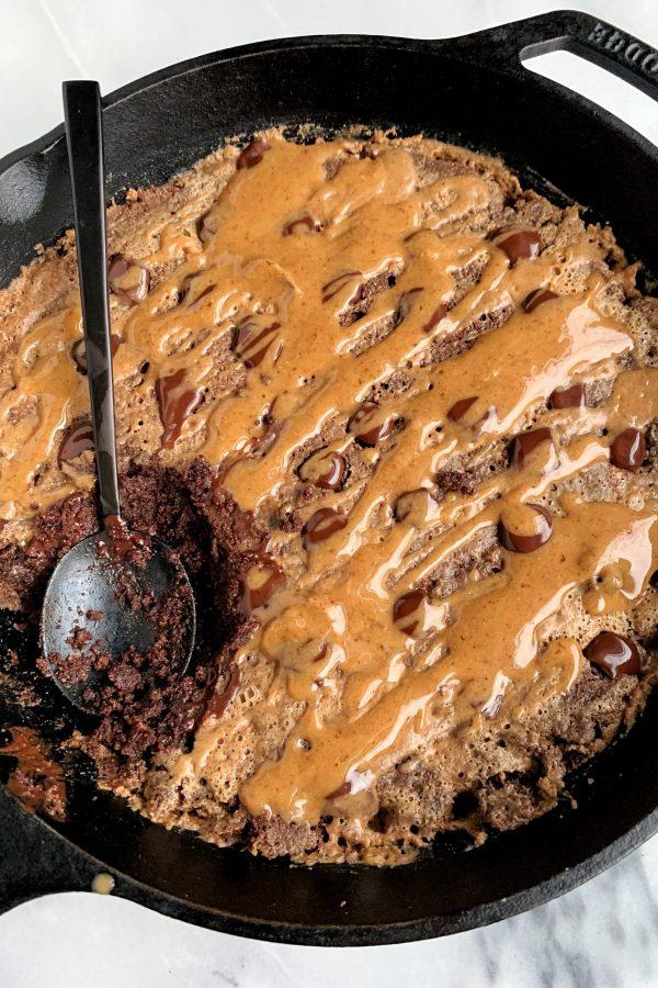 Paleo Salted Caramel Brownie Skillet (low in sugar)