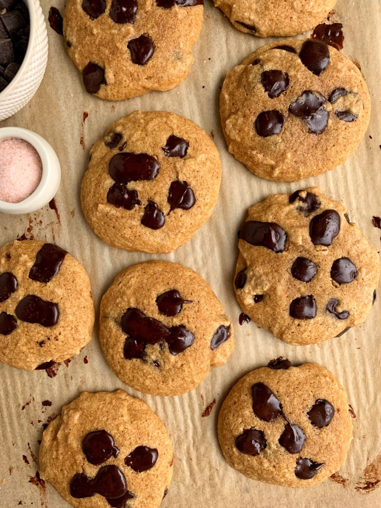Gluten-free Chocolate Chip Olive Oil Cookies made with only 6 key ingredients. These delicious and healthier cookies are nut-free and made with gluten-free oat flour, sweetened with coconut sugar and maple syrup and are ready in just 10 minutes!