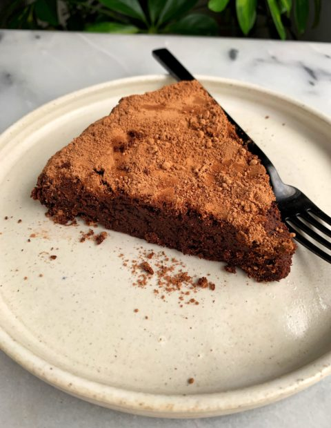The Best Paleo Flourless Chocolate Cake (gluten-free)