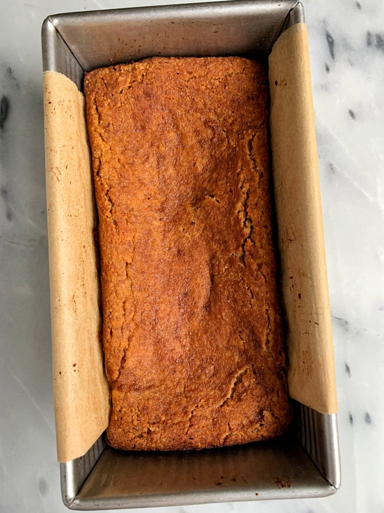 Thebestvegan and gluten-free Snickerdoodle Bread that tastes like a giant snickerdoodle cookie and is made with all paleo and healthy ingredients.