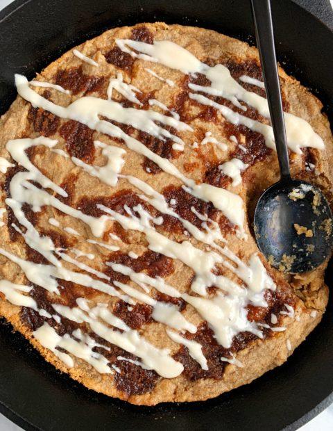 "Gluten-free ""Cinnabon"" Cinnamon Roll Cake"