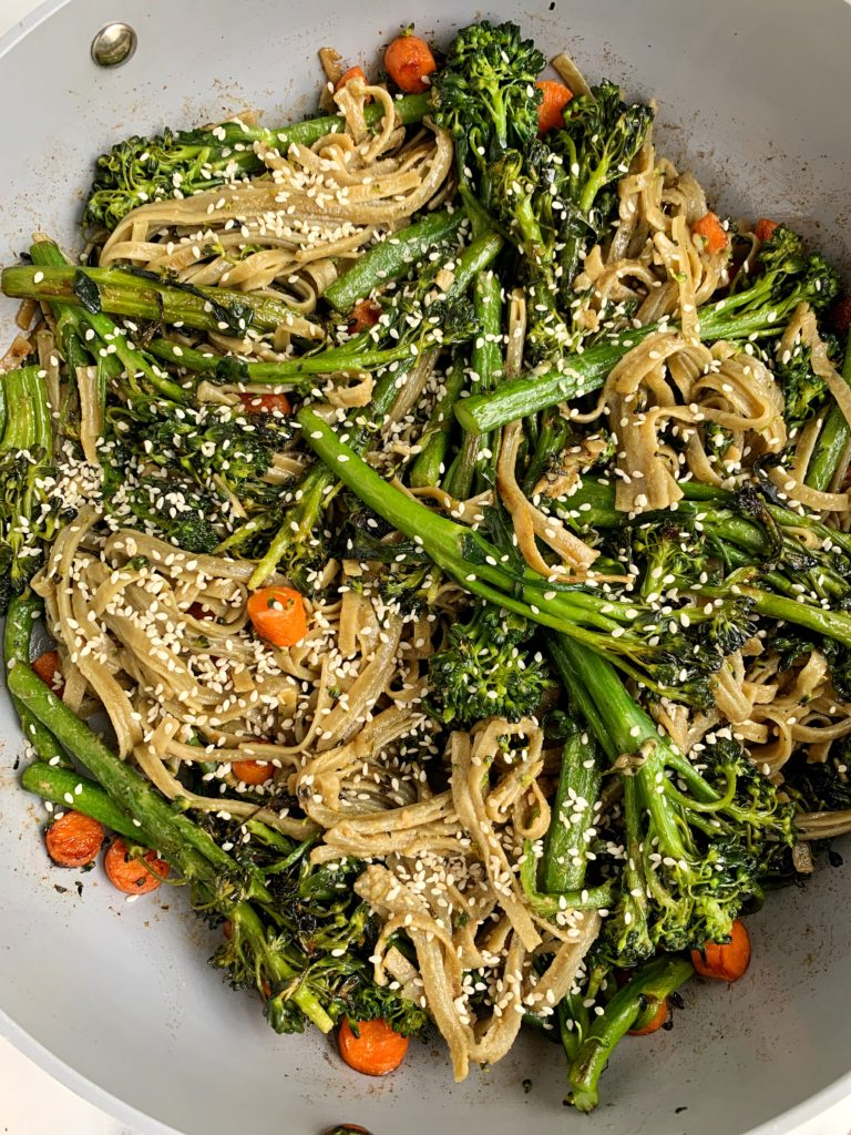 10-minute Sesame Stir Fry Noodles made with all vegan and gluten-free ingredients. One of the easiest asian-flared recipes made with healthier ingredients.
