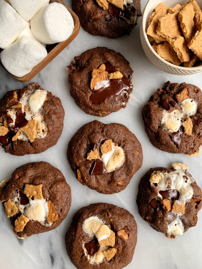 The BEST Healthier S'mores Cookies made only 6 ingredients, no flour needed! The perfect summery dessert to bake for any occasion. Plus these cookies are gluten-free and dairy free-friendly!