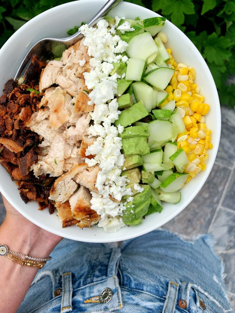 Sharing my ridiculously good chicken cobb salad that we have been making on repeat over here. Filled with a ton of flavor and super satisfying, filling and healthy.
