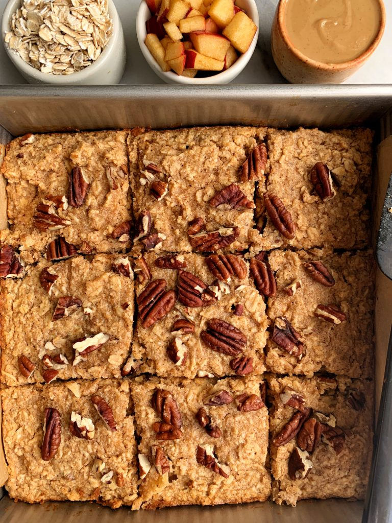 Healthy Apple Pie Baked Oatmeal