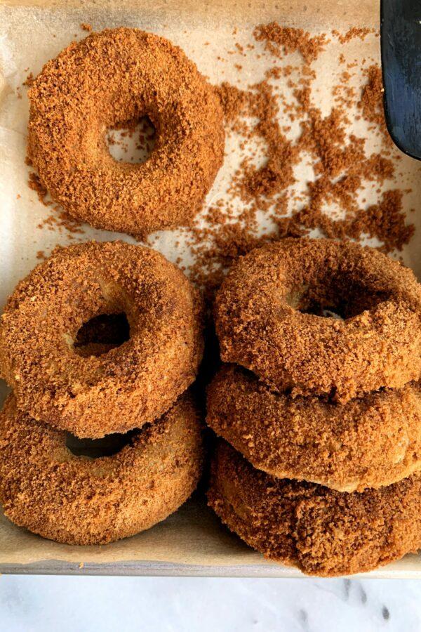 The Best Vegan Cinnamon Sugar Pumpkin Donuts
