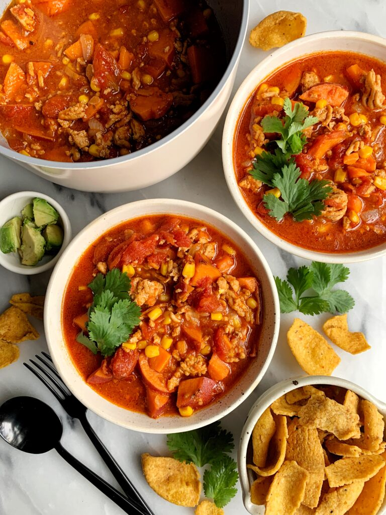 Healthy One Pot Buffalo Chicken Chili Soup made with all gluten-free and dairy-free ingredients. Such a delicious an easy lunch or dinner recipe to make.