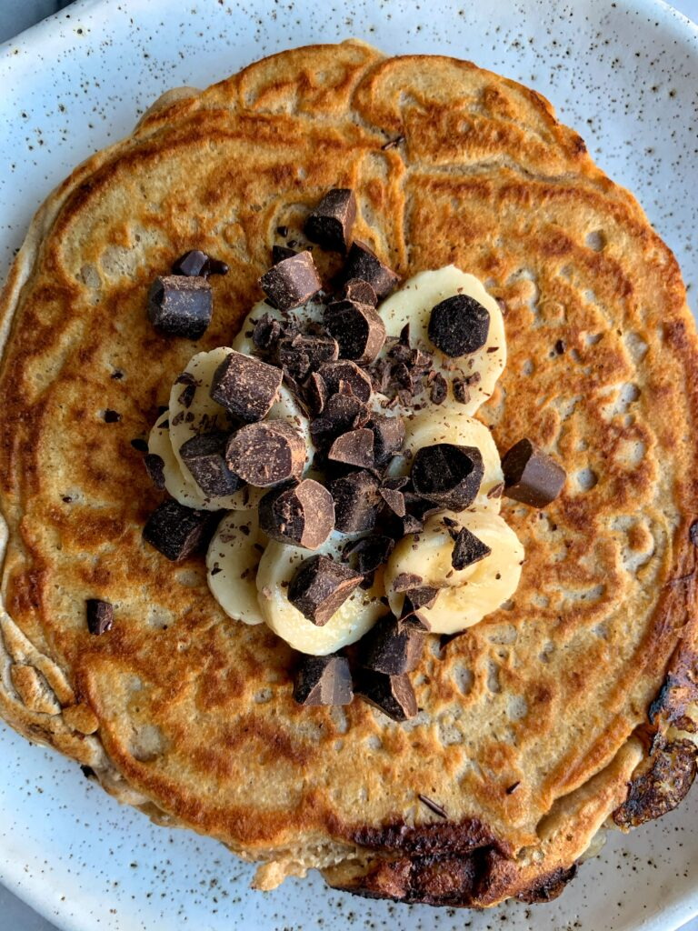 Quick and Easy Gluten-free Pancake for One! Made with just a few healthy ingredients and this insanely good giant pancake is ready in under 10 minutes.