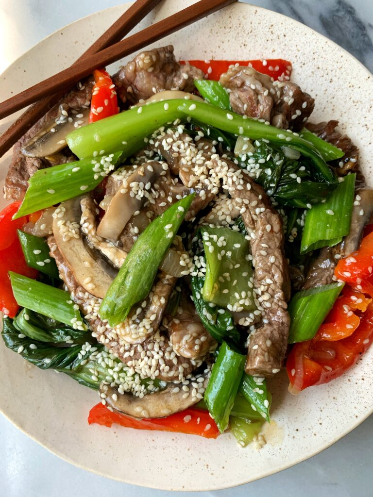 The Most Delicious 20-minute Paleo Beef Stir Fry made with all gluten-free and dairy-free ingredients for a healthy and easy weeknight dinner recipe!