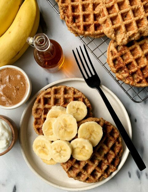 Easy Gluten-free Oatmeal Blender Waffles!