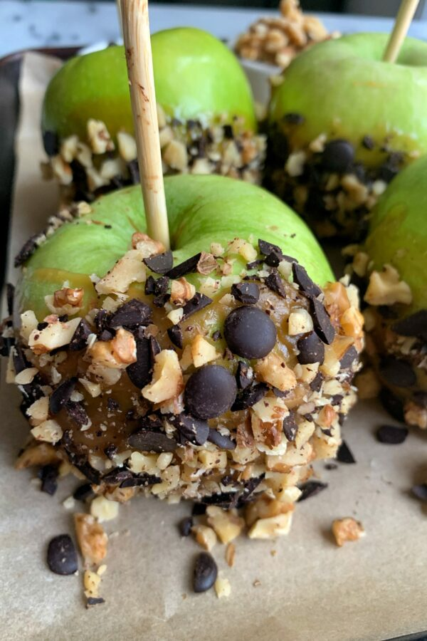 Easy and Delicious Paleo Caramel Apples
