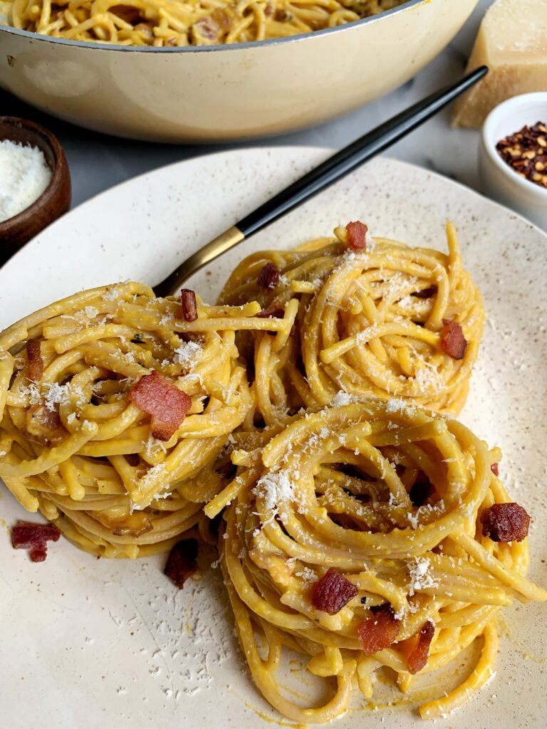 Creamy Pumpkin Bacon Carbonara Pasta!