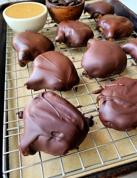 4-ingredient Reese's Pumpkins! (vegan)